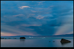 Tempanos rocas erraticas doble atardecer lago Argentino