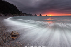 SILENCIO (Obikani) Tags: silencio cudillero asturias sunset beach rocks wave seascape landscape lines sun clouds amazing beautiful sea ocean longexposure canonikos