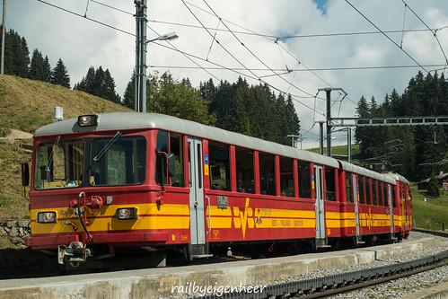 unser Zug Bt 54+ B 51+ HGe 4/4 32 in Col de Soud