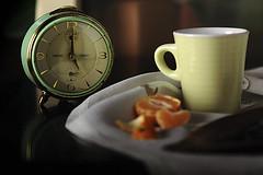 Tea Time (jojofotografia) Tags: time tea stilllife still life tazza sveglia tempo orologio naturamorta mandarino frutta luce light lumiere composizione