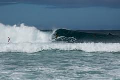 BW7A0152.jpg (zabomysicka) Tags: hawaii oahu surfing northshore pipeline ehukaibeachpark yellowshortsguy
