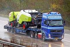 Volvo FH BV ZD 68 (gylesnikki) Tags: blue truck artic richardlong
