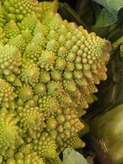 Romanesco Broccoli (failing_angel) Tags: paris bastillemarket boulevardrichardlenoir romanescobroccoli romancauliflower marchbastille 200912 brassicaolerace