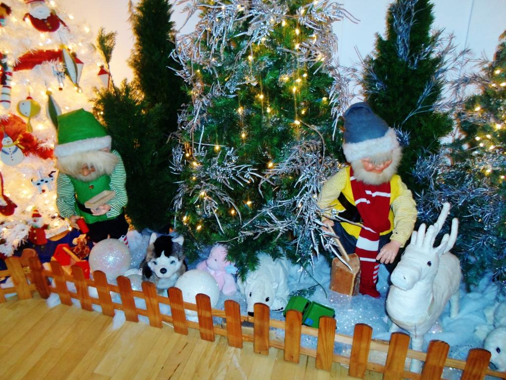 christmas 2012 elysia in wonderland tags christmas trees decorations shop reindeer lights store - Animatronic Christmas Decorations