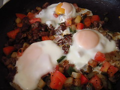 Hash Mash of Eggs, potatoes, tomatoes, bell pepper and sausage (236ism) Tags: potatoes tomatoes bellpepper hashmashofeggs bellpepperandsausage