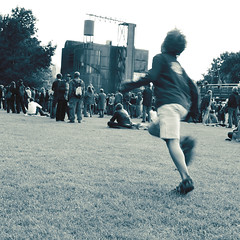 running-kid (castorcorp) Tags: festival kid crowd running foule enfant parc courant ambiance garcon courir lavilette