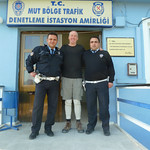 "Hanging with the cops, Palantepe edition <a style=""margin-left:10px; font-size:0.8em;"" href=""http://www.flickr.com/photos/59134591@N00/8246302831/"" target=""_blank"">@flickr</a>"