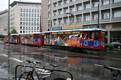 VGF 107 [Frankfurt tram] (Howard_Pulling) Tags: wet rain k canon germany deutschland nikon frankfurt may tram german trams 107 frankfurtammain strassenbahn 2012 applewine vgf crede 400d possman hpulling howardpulling