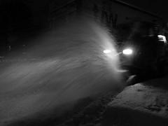 Snow removal hero (Jens Rost) Tags: schnee winter snow monochrome monocromo traffic zwartwit hiver nieve sneeuw trfico neve invierno neige monochrom lumi inverno talvi zima   verkehr sne ruch nieg trafic  verkeer liikenne trafik  monocromtico      trfego taastrup  monocrom monochromia camaeu   yksivrinen  121210   p1430961