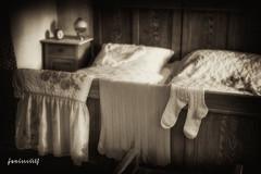 """Bedroom"" - Moggast - Franconia - Germany © (schwaneyer) Tags: old bw socks bedroom socken sw schlafzimmer alwaysexc"