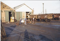 wagon shops (James DEMU) Tags: yard wagon crane wagons forklift toton yardlamp wagonshops