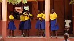 School girls during break at Gbimsi High School (Global Partnership for Education - GPE) Tags: ghana educationinghana education gpe globalpartnershipforeducation schoolchildren school basiceducation younggirls