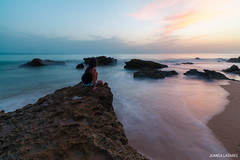Eterno y efmero. (juancalagares) Tags: playa atardecer beach cadiz caladelpato conil filtroneutro landscape mar nd8 paisaje piedas rocas seda sunset