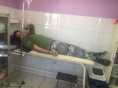 """San Pedro de Atacama: tourisme médical ou plutôt désert médical...Poche de réhydratation pour faire descendre la fièvre mais Mister J n'est pas déshydraté ;) Il doit surement avoir une petite infection à l'estomac... <a style=""""margin-left:10px; font-size:0.8em;"""" href=""""http://www.flickr.com/photos/127723101@N04/28941643000/"""" target=""""_blank"""">@flickr</a>"""