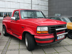 F150 Flareside (Schwanzus_Longus) Tags: bremen german germany us usa america american old classic vintage car vehicle pickup pick up truck fahrzeug auto linien outdoor ford f 150 f150 flareside flare side