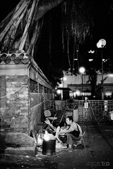Offerings under a Tree (Taomeister) Tags: nikkor5012ais hongkong templestreet yaumatei fujifilmneopan400 nikonfm3a