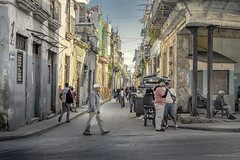 A moment in Havana (Jodi Newell) Tags: canon cuba havana jodinewell jodisjourneys jodisjourneysphotosgmailcom lahabana people street