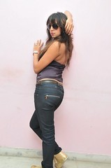 South Actress SANJJANAA Photos Set-10 (10)