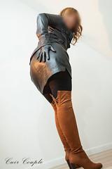 elle273 (Cuir Couple) Tags: cuir leder leather cuero veste jacket jupe skirt pantalon pant hosen mistress maitresse cuissardes matre master bondage bdsm cravache martinet