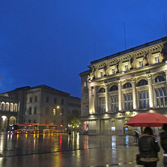Bundesplatz Berne (Rosmarie Wirz) Tags: november switzerland lifestyle rainy berne saturdayevening bundesplatz gettyimageswants