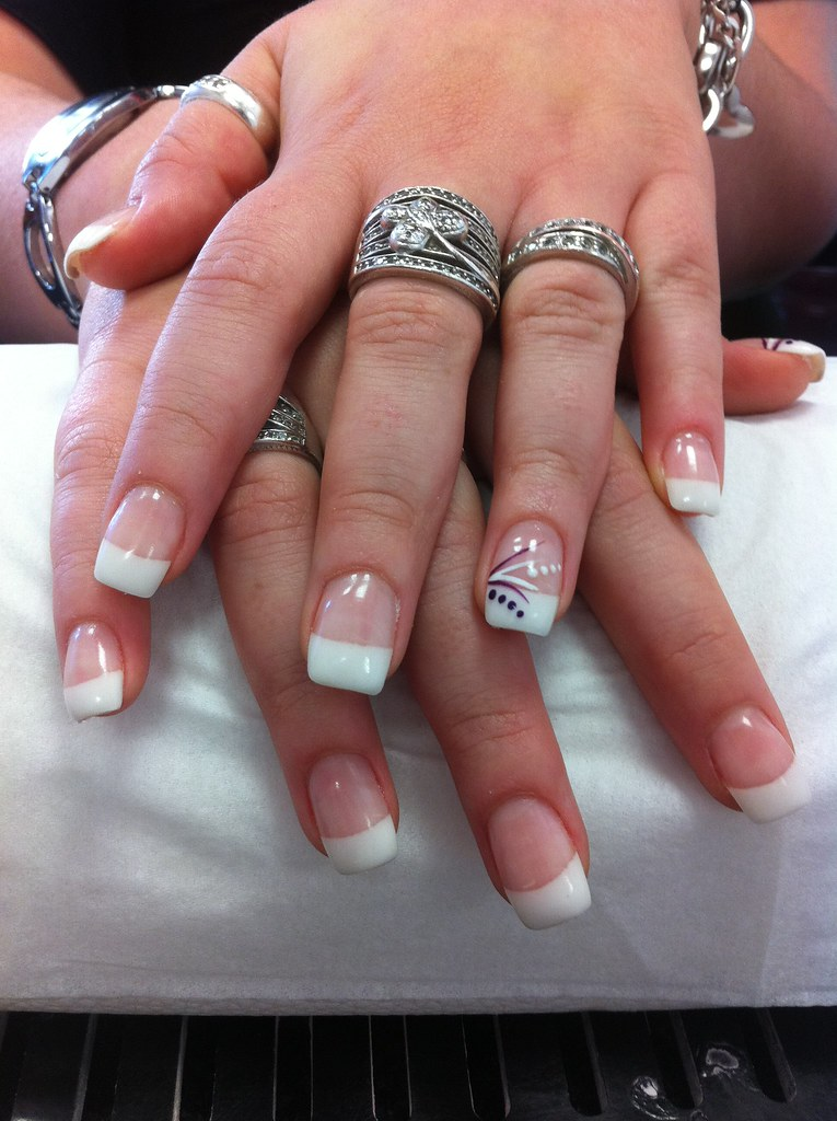 Ongle french noir noir et blanc ongle french noir photo instagram ongle gel blanc decor - Ongles french manucure photos ...