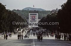 AL TR P0001152 nettoyer_ (setboun photos) Tags: europe communism historical capitale albania socialism southerneurope tirana capitalcity albanie europedusud politicalandsocialissue balkaniccountry lalbaniealabridutemps