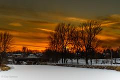 Le 30 novembre 2012... / November 30th, 2012... (guysamsonphoto) Tags: sunset river rivière firstsnow coucherdesoleil victoriaville victo mfcc premièreneige nikond600 rivièrenicolet guysamson rivièredequébec adobelightroom4 nikkor2485vr