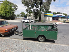Lawnkeeper trailer (RS 1990) Tags: ford january falcon adelaide trailer southaustralia xd 2011 modbury teatreegully lawnkeeper modburyheights modburynorth carruthersdr