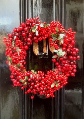 Clifton, Bristol (nicksarebi) Tags: christmas door red black bristol holly wreath clifton