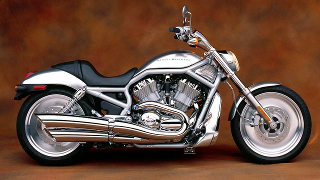wallpapers_4_motocikl-harley-davidson-1303652561