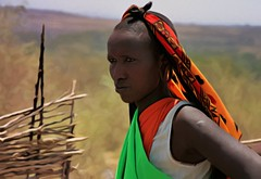 Fantasa Masi (Egg2704) Tags: africa mujer kenya retrato retratos kenia masai masaimara masi masimara egg2704 parquenacionalmasimara