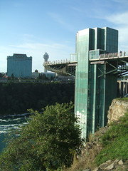 Niagara Falls Observation Tower (D. S. Haas) Tags: halas haas unitedstates usa newyork niagaracounty niagarafalls niagarafallsstatepark tower observationtower prospectpointparkobservationtower niagarafallsobservationtower canada ontario niagararegion wellandcounty