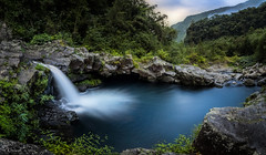 Bassin de la Rivire Langevin (F.L Photography) Tags: vert canon canon50d 50d eos50d sigma sigma1020mm grandangle panorama paysage panoramafotogrfico panoramico panoramique photopanoramique iledelareunion reunionisland lareunion 974 photographe974 flphotography cascade bassin waterscape water landscape nature travel blending