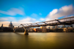 MILLENNIUM PIER (Rober1000x) Tags: skyline river thames sky clouds longexposure millennium bridge saintpaul england uk londres london 2016 summer