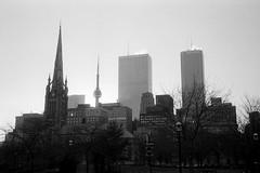 Toronto Skyline, 1986 (Avard Woolaver) Tags: torontoflashback19801986 rollei35s trix toronto 1986 cntower