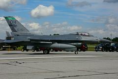 USAF 89-2151 (Ohio ANG) (Steelhead 2010) Tags: usaf 892151 generaldynamics f16 f16c ohioang stingers yxu