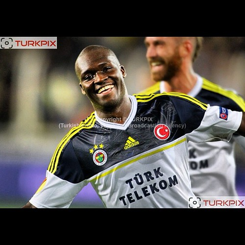 Fenerbahce's Moussa Sow celebrates his goal during their UEFA Europa League Group Stage Group C soccer match Fenerbahce between AEL Limassol at Sukru Saracaoglu stadium in Istanbul Turkey on Thursday 08 November 2012. Photo by TURKPIX #goal #celebrate #so