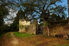 Un bonito lugar para pasear..... -Explore- (Geli-L) Tags: camino asturias otoño soe palacio elfranco valdepares mygearandme mygearandmepremium mygearandmebronze elcerradín creativephotocafe