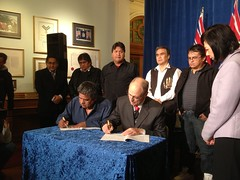 B.C. supports green economy for First Nation in Clayoquot (BC Gov Photos) Tags: britishcolumbia firstnations tofino 2012 clayoquot clayoquotsound mosesmartin idachong provinceofbc signingofagreement tlaoquiahtfirstnations arrarchive