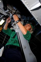 121014-N-SM403-137 (USS NIMITZ (CVN 68)) Tags: aircraftcarrier underway ussnimitz cvn68 comtuex
