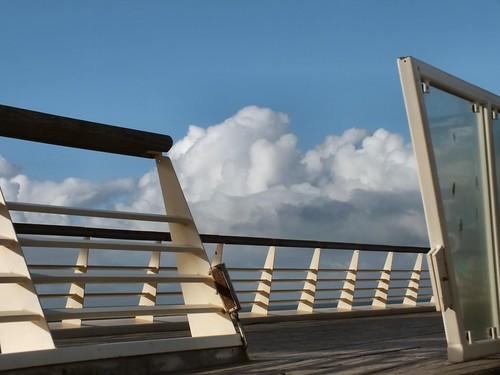Wolken boven de pier EXPLORE 150
