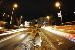 Night Musican (CoolMcFlash) Tags: vienna wien auto street city light people urban music woman man motion cold cars lamp colors night speed canon person eos austria lampe sterreich movement musiker exposure artist sitting leute play traffic dynamic audience nacht guitar trails sigma wideangle fisheye listening stadt bewegung acoustic mann musik frau kalt verkehr belichtung lichter farben gitarre nachtaufnahme spielen musican langzeitbelichtung sitzen knstler 10mm weitwinkel geschwindigkeit zuschauer zuhrer stdtisch fischauge schwarzenbergplatz nachtaufnahmen strase lichtspuren dynamisch 60d akustikgitarre musikant