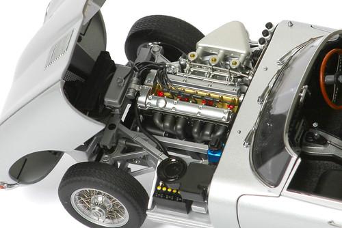 xke-motore1
