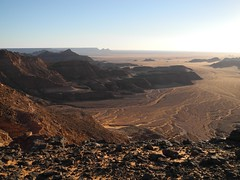 Egypt - Gilf Kebir (ursulazrich) Tags: sahara desert border egypt desierto libya ägypten egitto egypte wüste grenze libia libye frontiere westerndesert libyen gilfkebir