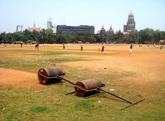 Lawn Rollers on Azad Maidan, Mumbai (bodythongs) Tags: india playing game west men boys grass sport canon harbour body indian south watching lawn dry cricket caves thongs bombay roller april match maharashtra rollers patch mumbai maidan junge garon elephanta bambino colaba  elefanta azad kanheri  maharashtrian knabe    bodythongs
