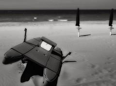 help... (Piero Donofrio) Tags: italy barca mare ombrelloni bianco nero puglia spiaggia vieste gargano daunia