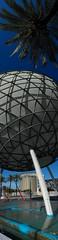 Estanque de la Esfera Bioclimática, calle Marie Curie, Sevilla (Pablo FJ.) Tags: andalucía fuente ciudad urbana estanque urbano expo92 arquitecturacontemporánea geografíahumana geografíaurbana