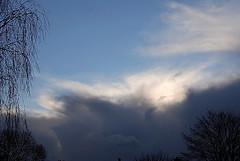 Winterse buien. (Omroep Zeeland) Tags: neerslag winterse buienwolken