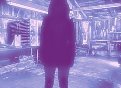 Dans la cabane (soniainfidle) Tags: cabane abandonne surprenant bizarre libertine question originale obsession regard dos jupe mauve