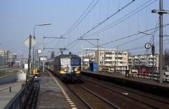 Rotterdam bovengronds (2) (Maurits van den Toorn) Tags: trein train zug express dtrein dzug locomotief lokomotive engine nmbs ns reeks255 station bahnhof gare rotterdam rotterdamzuid